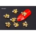 3D декорация за нокът златни звезди с диаманти TN1647