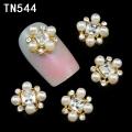 3D декорация за нокът перли и диаманти TN544