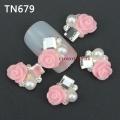 3D декорация за нокът светло розава роза с перли TN679